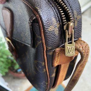 Louis Vuitton Bags - Authentic Louis Vuitton Jeune Fille crossbody